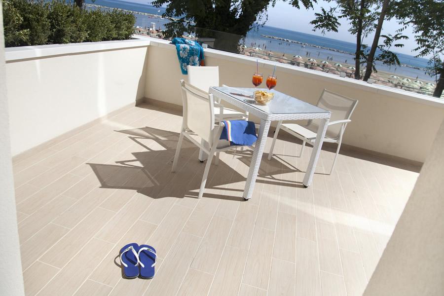 Terrazza solarium fronte spiaggia